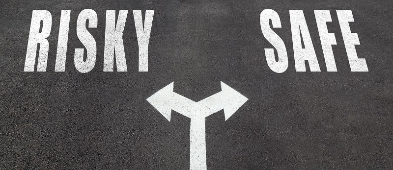 Risky or safe choice concept